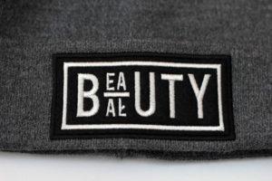 haft komputerowy czapki