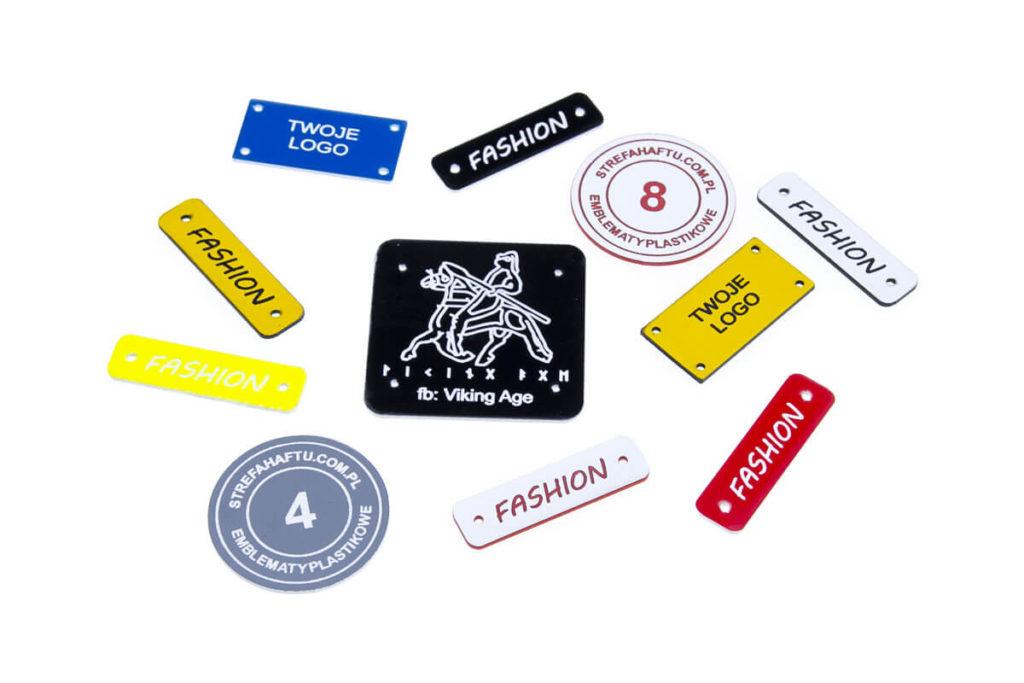 emblematy plastikowe z Twoim logo
