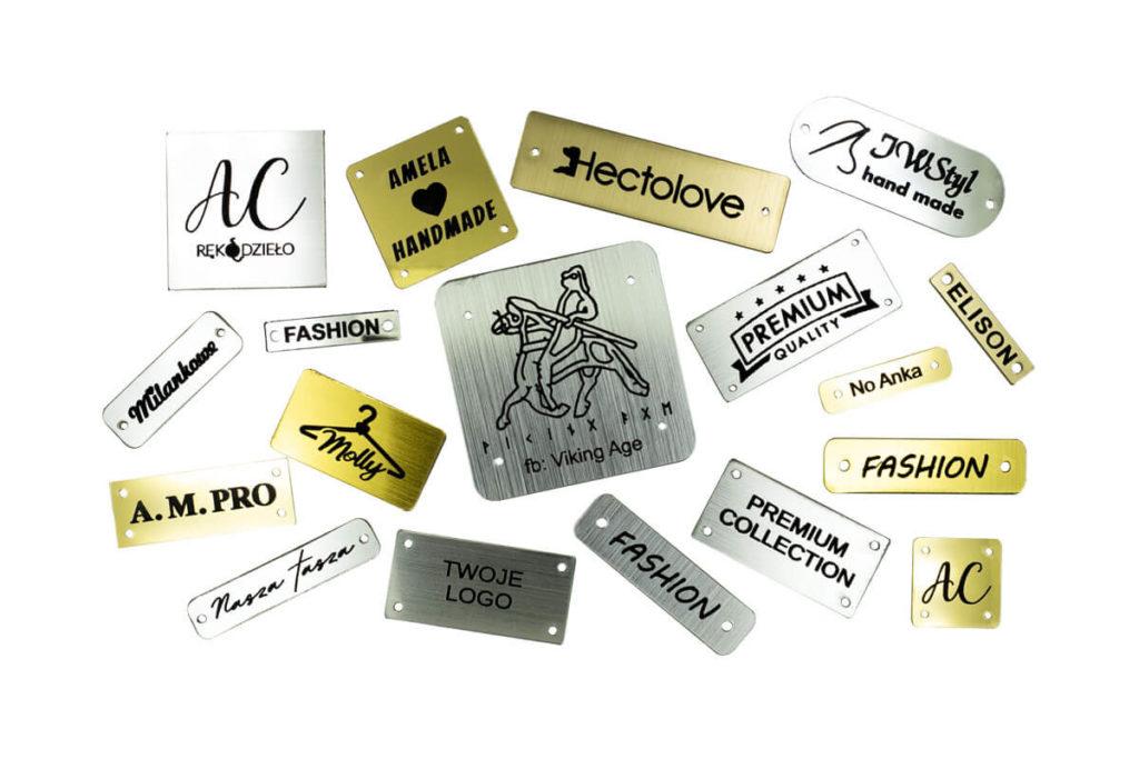 emblematy plastikowe metalizowane z Twoim logo