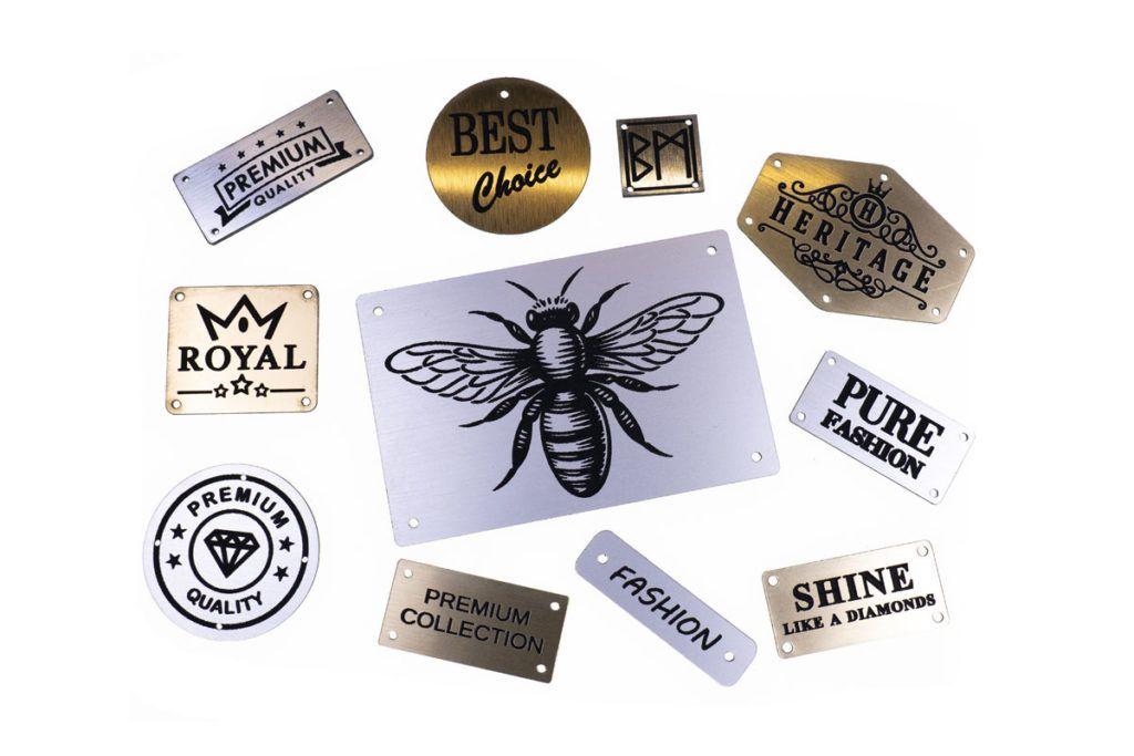 emblematy plastikowe metalizowane